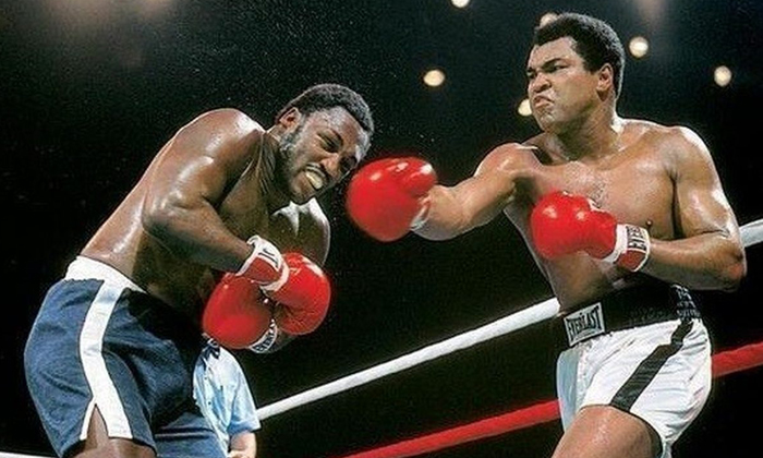 Violento cambio de golpes entre Ali y Frazier hace 40 años.