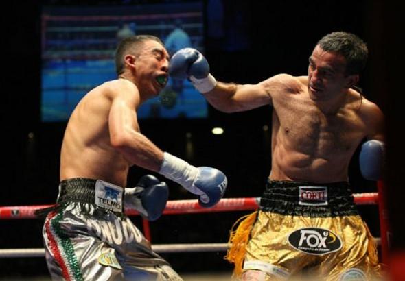 En su última pelea en Argentina, en septiembre de 2014, Narváez bailó al mexicano Orucuta.