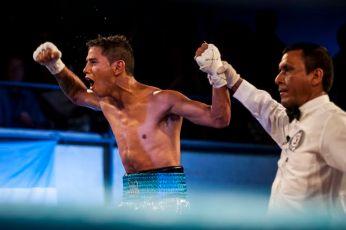 La alegría de Christian Roda (52 kg) al ser declarado ganador.