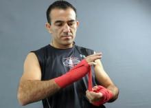 Narváez dice que le debe plata a su manager por gastos de entrenamiento.