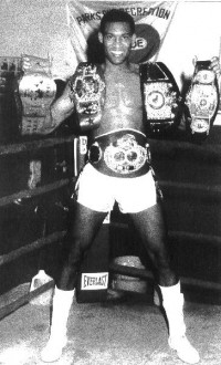 James Warring, único campeón de boxeo que también reinó en kick boxing.